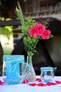 Rosen vor dem Wasserrad